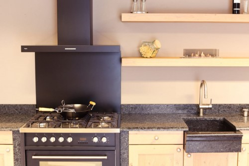 Ruby Fires | Keramički plamenik 5820L kao dekoracija u kuhinji
